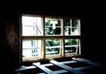 マーヴィンのサッシは取付がほぼ終了。木製サッシ(ペアガラス)は重量がある為、取付けは重労働。